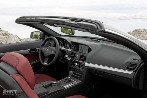奔驰全新e350敞篷跑车内饰作为一款豪华四座敞篷跑车,全新e高清图片