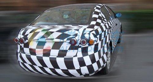 轿跑型自主b级车 一汽奔腾b90谍照解析高清图片